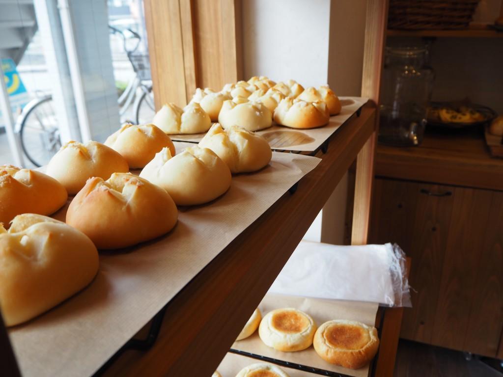 MUGIBOU-JINの焼きたてパン